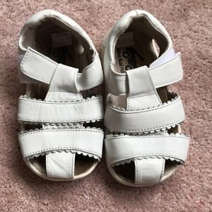 See Kai Run Shoes - See Kai Run. White sandals EUC